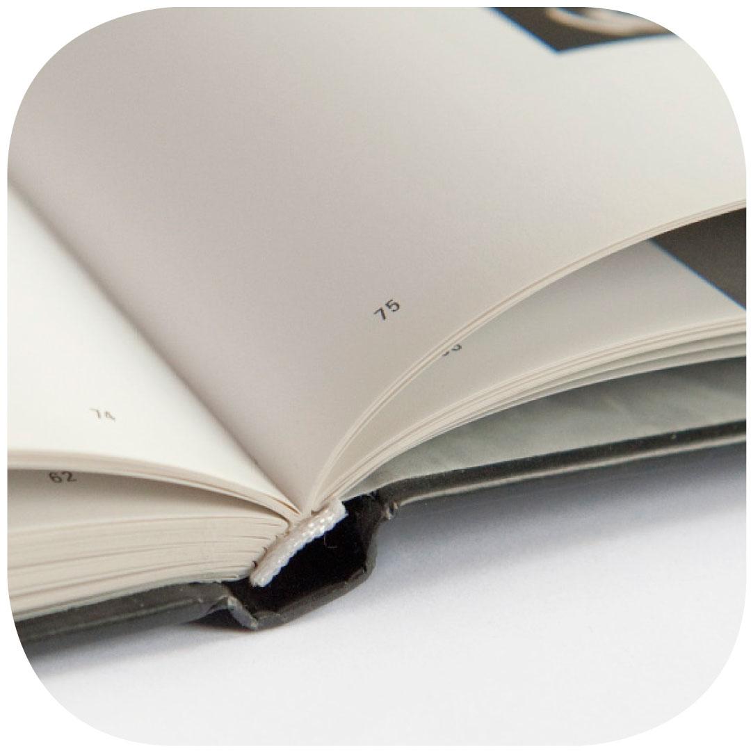 Beispielkatalog: Hardcover, offen